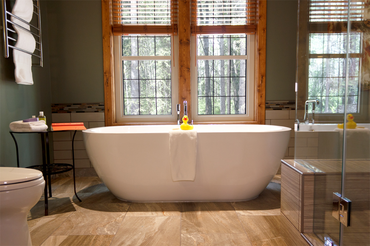 Birchside Free Standing Bath Tub | The Prairie Creek Inn
