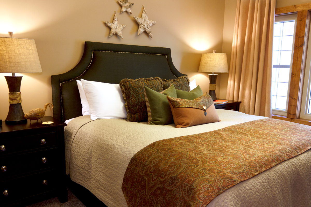 Birchside King Bedroom | The Prairie Creek Inn
