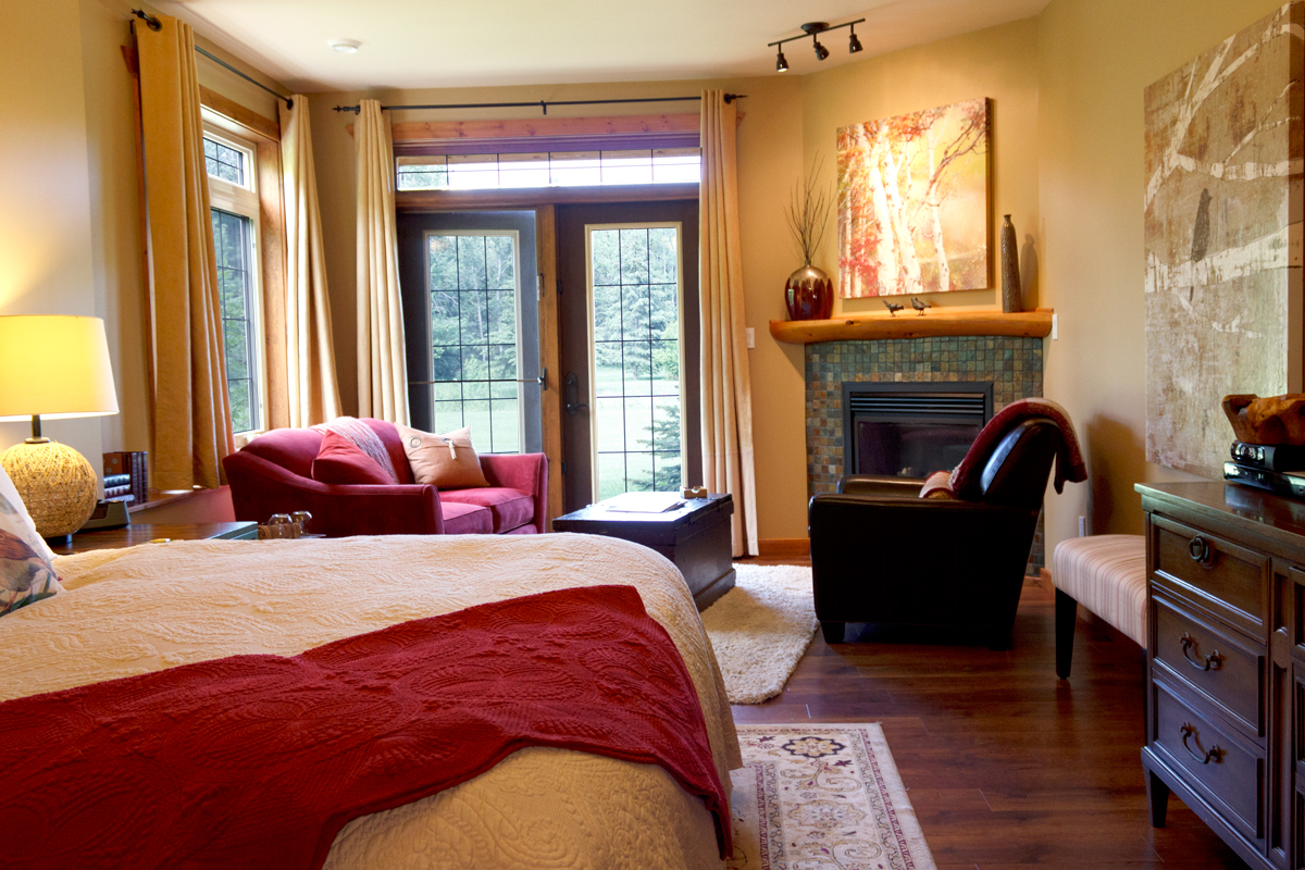 Birds Nest Suite | The Prairie Creek Inn
