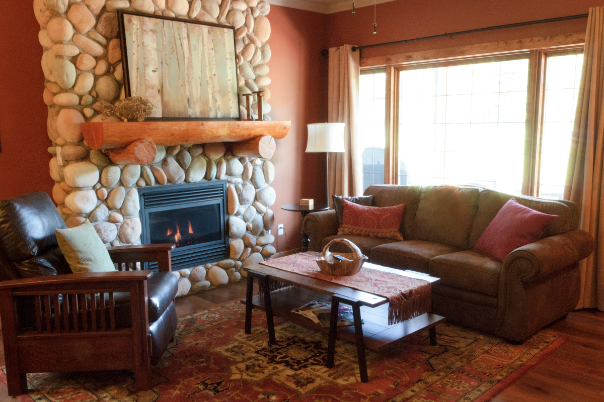 Fireside Cottage ~ The Prairie Creek Inn