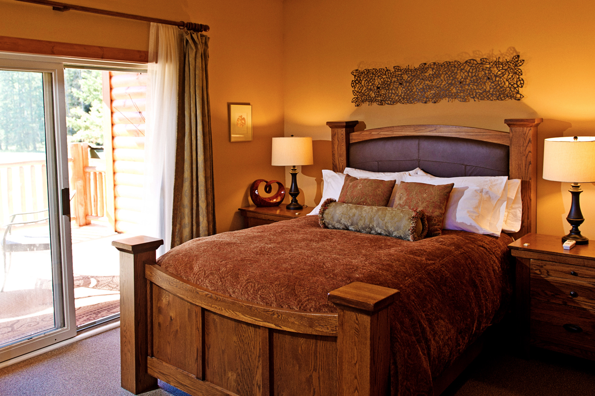 Loft Suite Bedroom | The Prairie Creek Inn