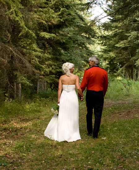 Wedding in Forest at The Prairie Creek Inn