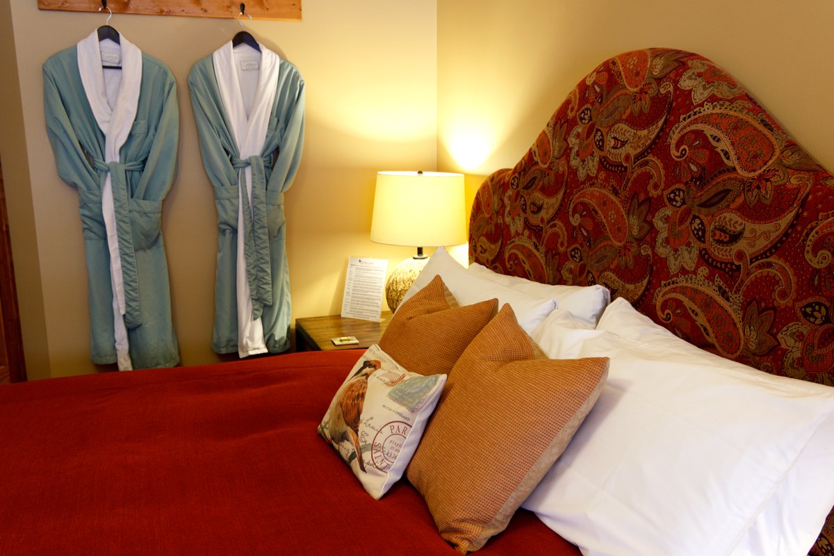 Birds Nest Bed Bathrobes | The Prairie Creek Inn