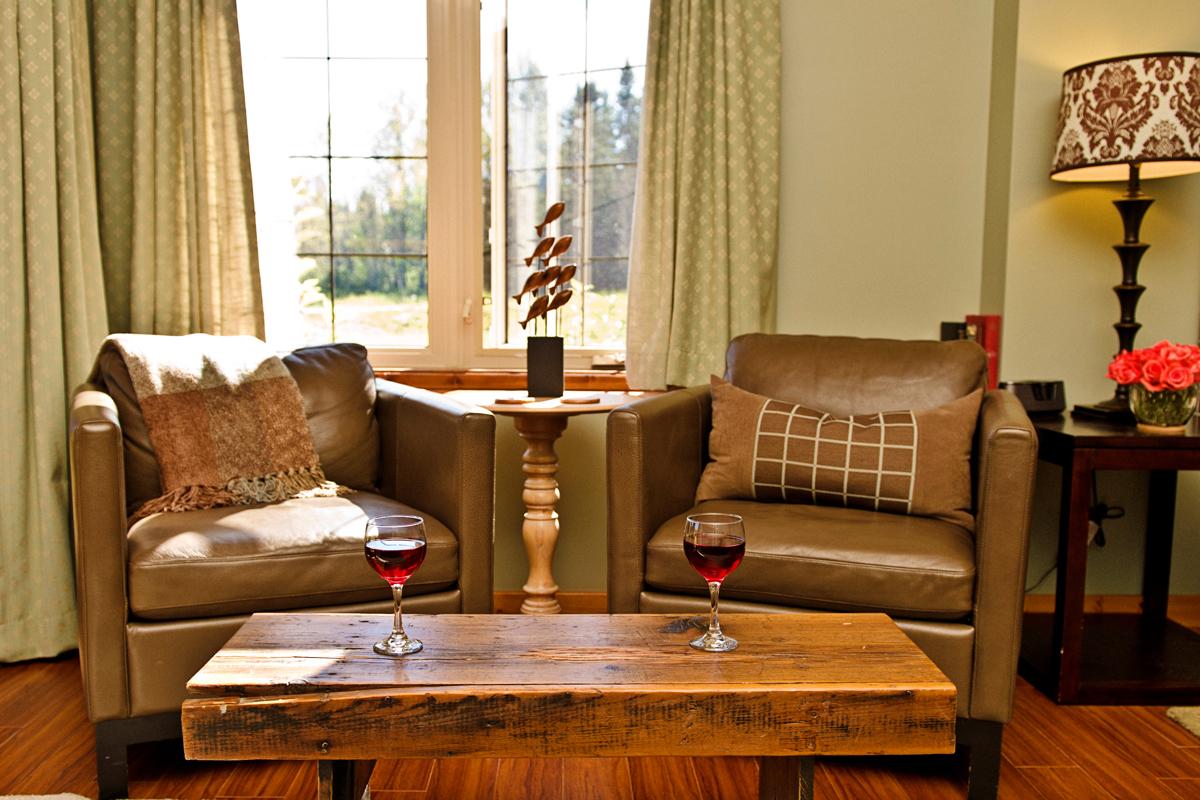 Brown Trout Sitting Area | The Prairie Creek Inn