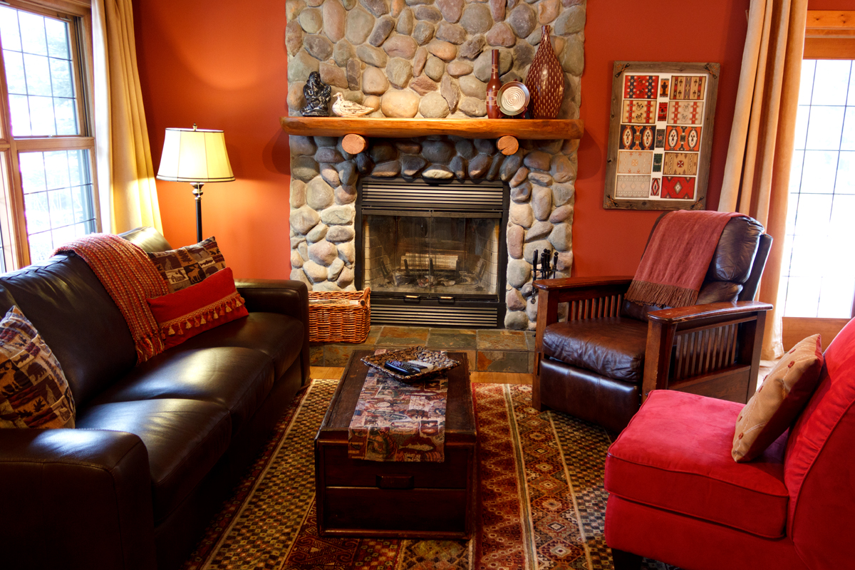Creekside Cottage Living Room | The Prairie Creek Inn