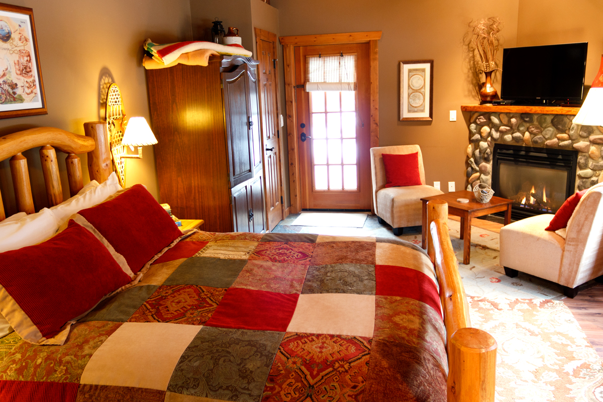 Explorers Suite | The Prairie Creek Inn
