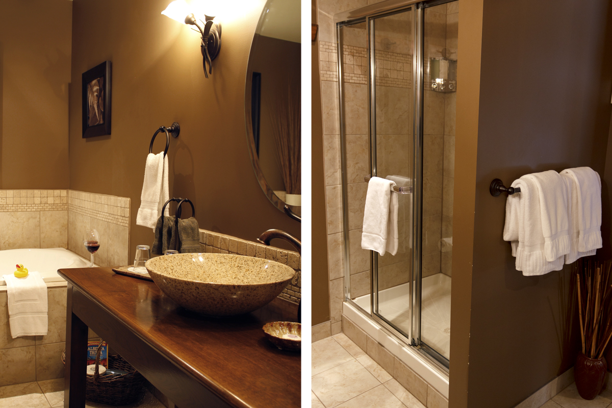 Explorers Suite Vanity Shower | The Prairie Creek Inn