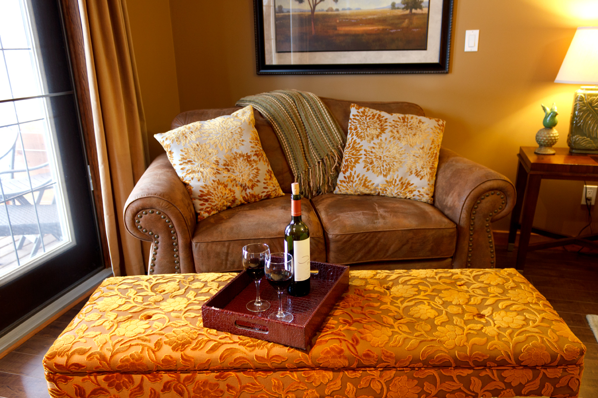 Golden Meadows Sitting Area | The Prairie Creek Inn