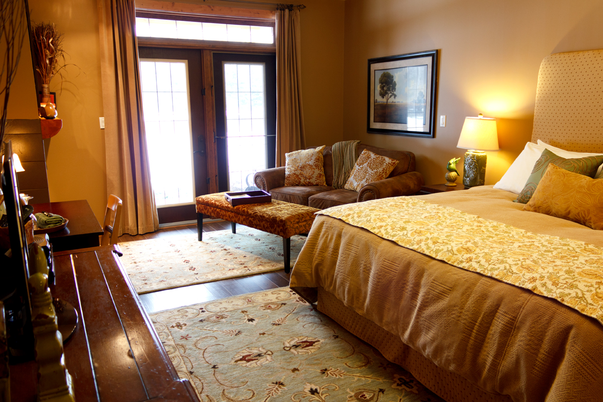Golden Meadows Suite | The Prairie Creek Inn
